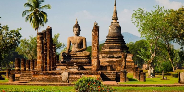 Save Big on Booking Holiday Packages in Thailand